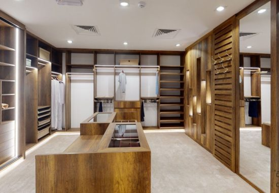 11-Dressing-Room