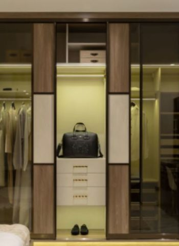 2021-06-03 22_31_43-closets - Reach in closets _ Creative Closets _ custom storage solutions